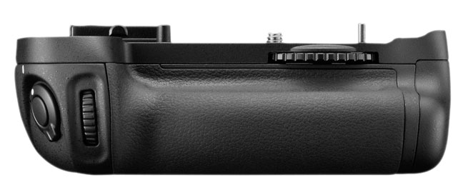 Nikon D600 Battery Grip MB-D14 front