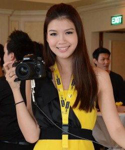Girl with Nikon D600 in yellow and black dress